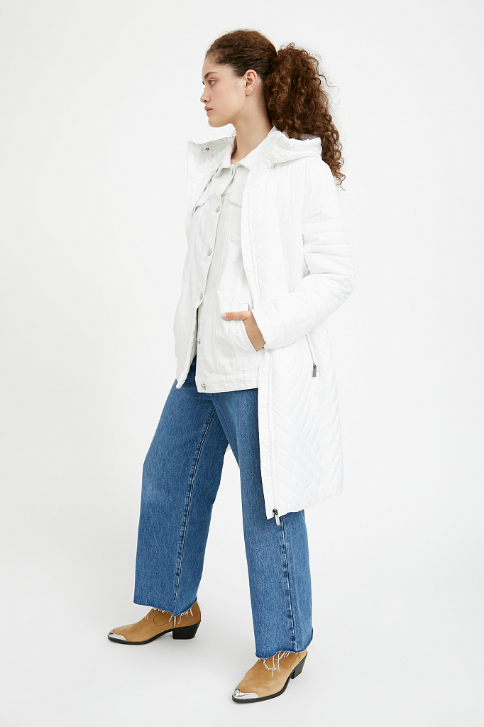 Фото 19 - Пальто женское белого цвета
