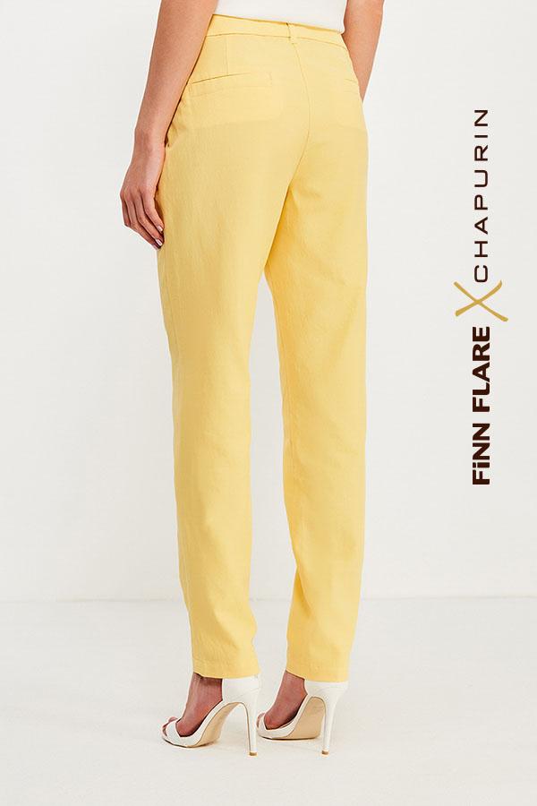Фото 8 - Брюки женские желтого цвета