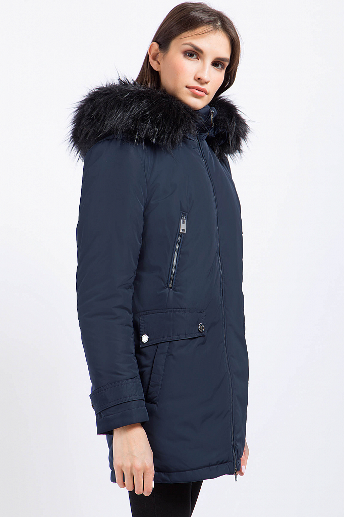 Фото 12 - Куртку женская черного цвета